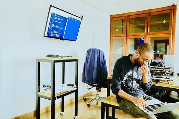 現下最夯的設計師-UI/UX設計師, 年賺250萬台幣!
