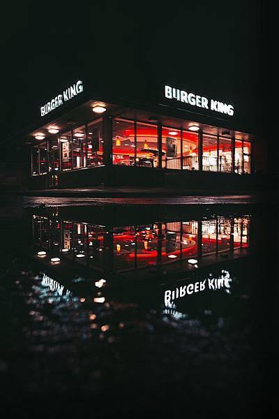 漢堡王的網路行銷有夠厲害!他到底對麥當勞做了什麼事!?