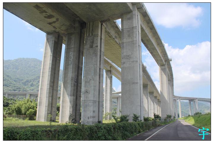 橋聳雲天p (2)