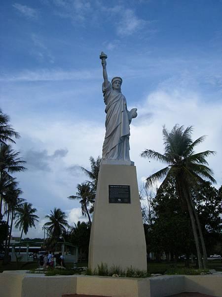 小小的自由女神像