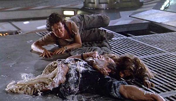 Ripley-Newt-and-Bishop-the-alien-films-27653275-660-380