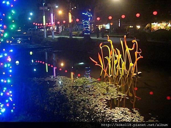 103.2.26 護城河-琉璃花燈.JPG