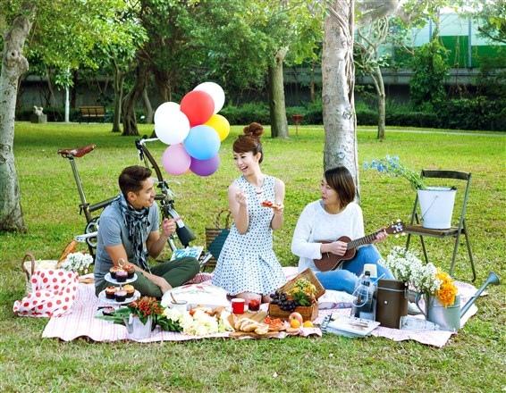 歌林-野餐必備物品及食物