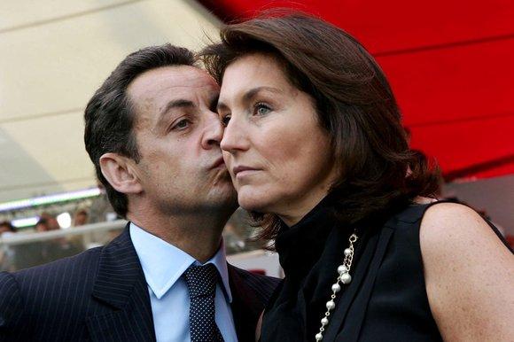 Sarkozy-Cecilia-102_111323k