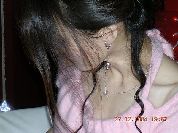 側臉的頸子真美