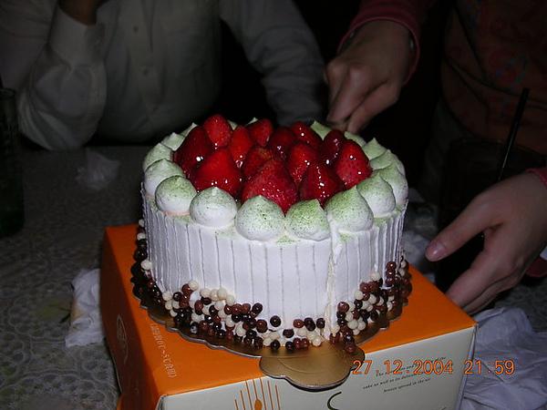 滿滿草莓的蛋糕