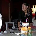 生日蛋糕上桌
