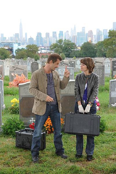 CSI: NY, 8.06 Get Me Out Of Here
