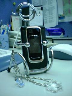 掛上手機吊飾的 Nokia 6131