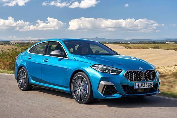 BMW 2 グラン クーペ4ドア.jpg
