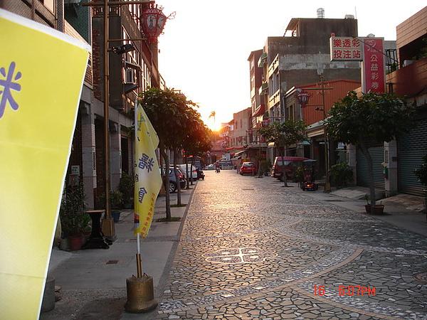 竹南慈裕宮前的夕陽