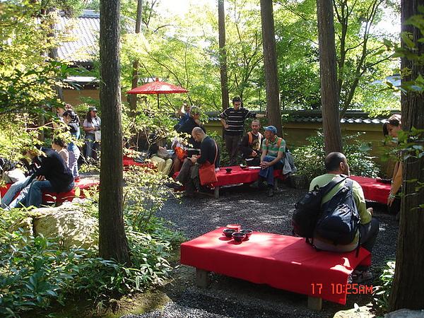 一群阿多仔在品味日本文化