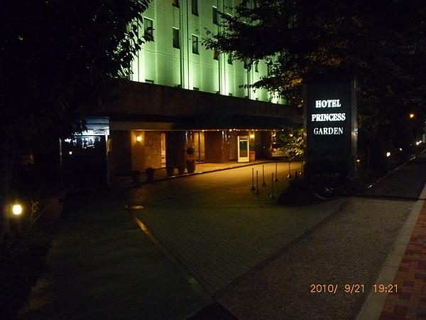飯店前 388.jpg