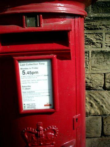 LEEDS的郵筒 也是紅的啦_resize