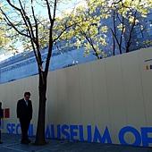 第一次到貞洞時~很雖  美術館正在整修