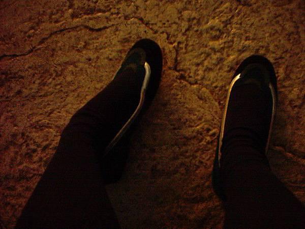 腳超痛~ 下次出國不可只帶這種死鞋子