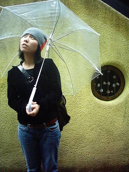 一整天都在下雨~~ 感謝012的透明傘 哈哈
