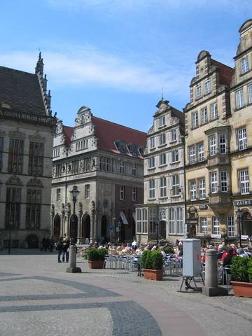 建築物還蠻歐洲哥德的