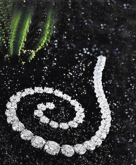 總重107.43克拉的圓鑽項鍊,每顆鑽都是D、IF與3 Excellent等級。估價約1億3143萬元起.jpg