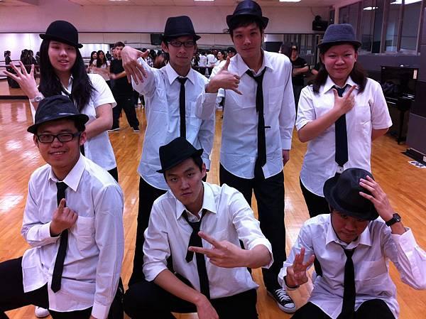 04. the Dance Crew