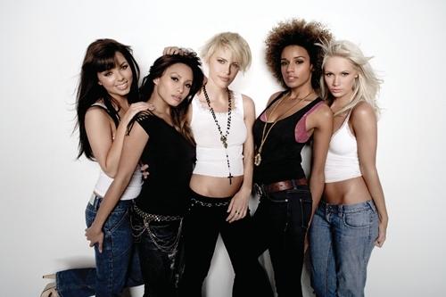 paradiso-girls-1.png
