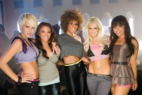 paradiso-girls-2.png