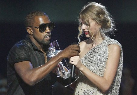 large_TAYLOR-SWIFT-KAYNE-WEST-SPEECH-BEYONCE.JPG