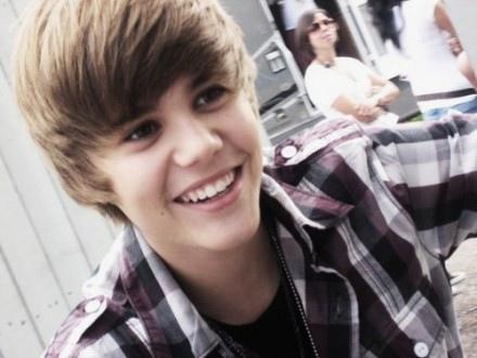 Justin-Bieber-Grammys-440x330.jpg