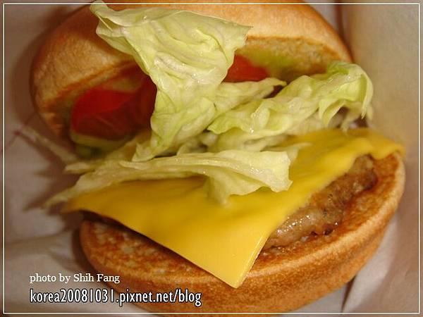 酪梨萊姆牛肉堡