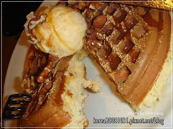 焦糖香草冰淇淋鬆餅