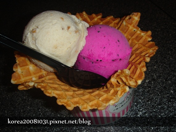 小雪人冰淇淋
