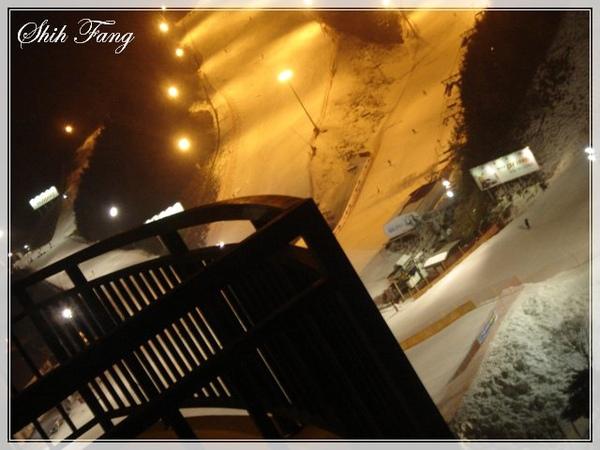 夜晚滑雪場