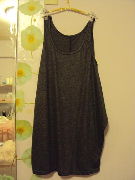 造型灰色洋裝~790元