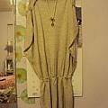 氣質米白洋裝~1180元