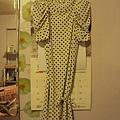 白色點點氣質洋裝~2890元