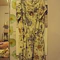 米色棉質洋裝~1380元