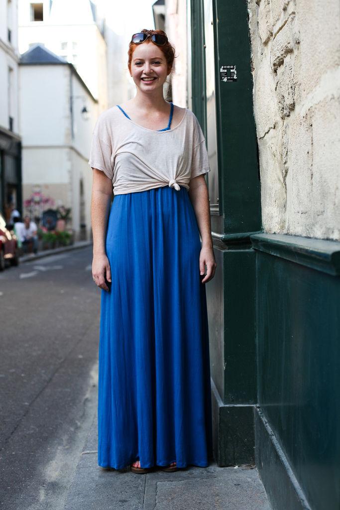 Street-Snap-daily-in-Paris-美式的休閒及地長裙