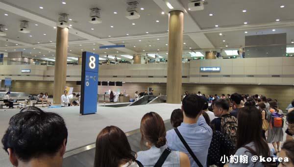 韓國自由行-第一天-4.首爾仁川機場 等行李.jpg
