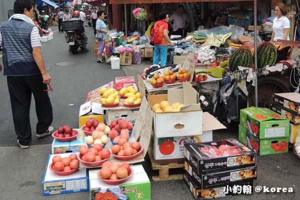 韓國自由行-第三天-9.水果攤.jpg