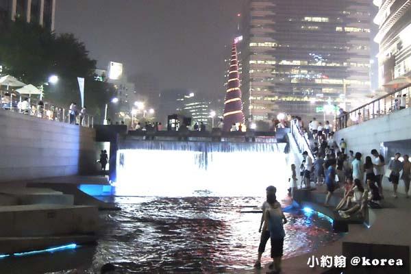 韓國自由行-第三天-18.清溪川廣場.jpg
