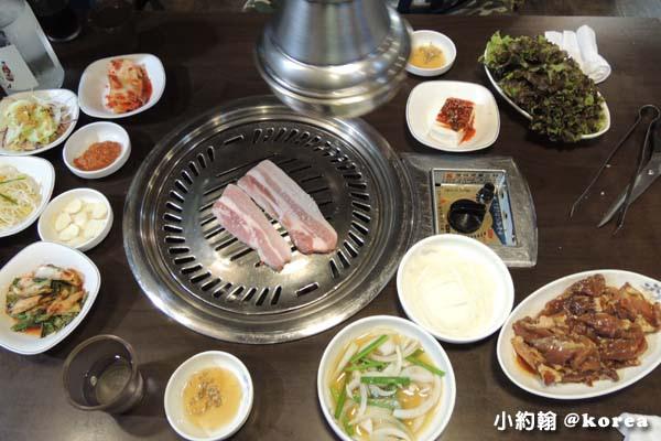 韓國自由行-第三天-20.韓國烤肉店.jpg