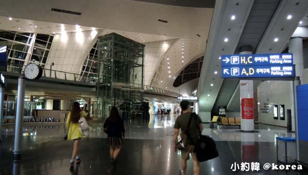 韓國首爾五天四夜自由行 day1.仁川機場搭機場快線.jpg