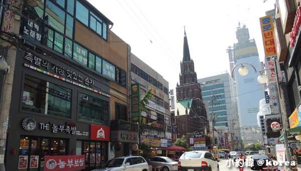 韓國首爾五天四夜自由行 Day3. 商業區教堂.jpg
