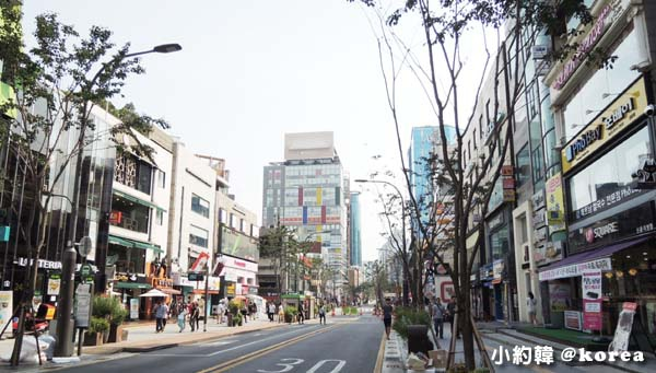 韓國首爾五天四夜自由行 Day5. 新村咖啡街.jpg