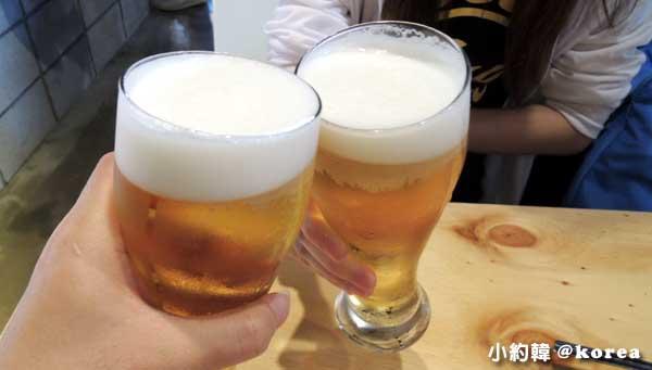 梨花女子大學附近The Bbalbong韓國料理平價學生食堂-啤酒.jpg