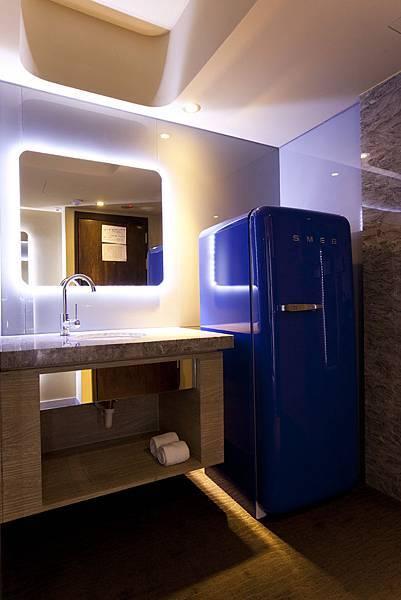 義大利SMEG藍色復古冰箱.jpg