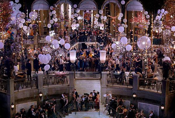 03-hbx-the-great-gatsby-party-scene-xln