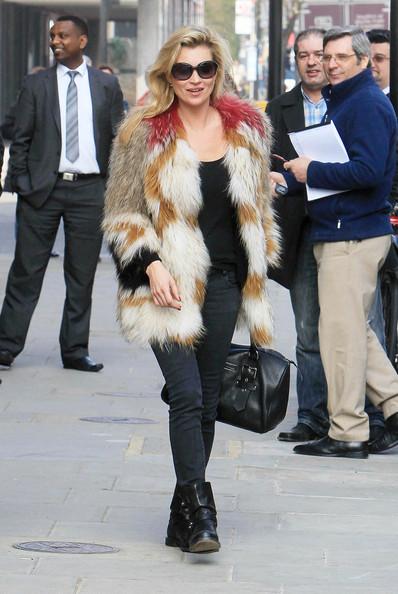 Kate+Moss-Isabel-Marant-Mulitcolor-Fur-Vest-Spring-2010-Collection-Longchamp-handbag