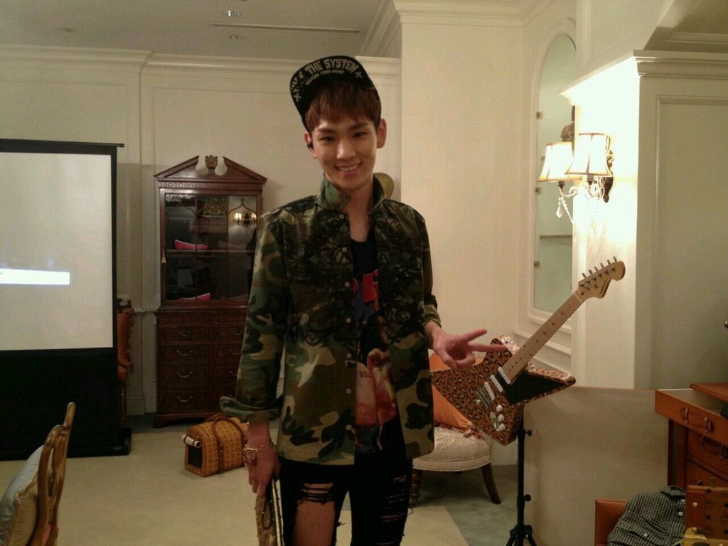 shinee key vogue fno x mcm5.jpg