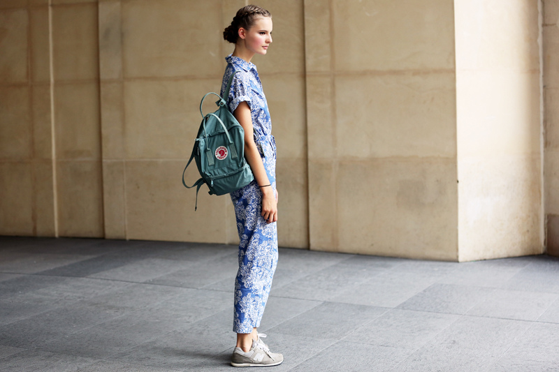 new-balance-sneakers-street-style-floral-print-clothes.jpg